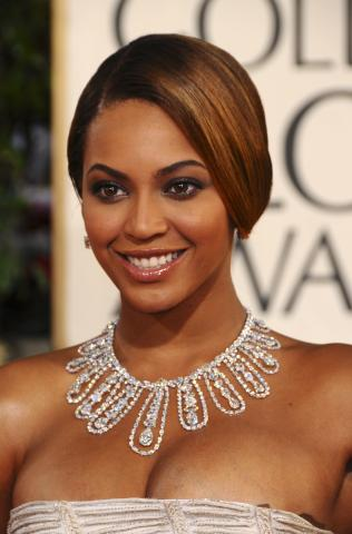 Beyonce Knowles - Beverly Hills - 12-01-2009 - Golden Globes: i gioielli