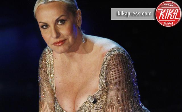 Antonella Clerici - Sanremo - 18-02-2010 - Antonella Clerici tradita, di nuovo. E non è la sola!