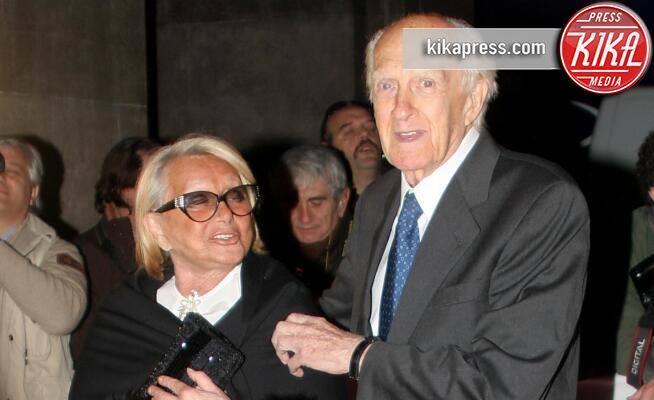 Sandra Mondaini, Raimondo Vianello - Milano - 15-04-2010 - Case infestate vip e dove trovarle:da Sandra e Raimondo a Spagna