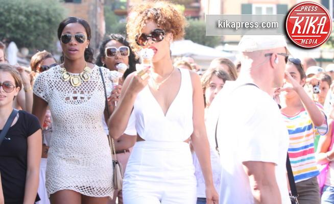 Rihanna - Portofino - 25-08-2011 - Estate 2019: i vip turisti abituali in Italia