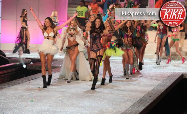 Modella - New York - 09-11-2011 - È ufficiale, il Victoria's Secret Fashion Show non si farà