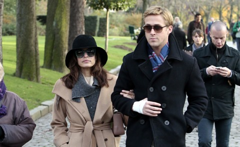 Ryan Gosling, Eva Mendes - Parigi - 27-11-2011 - Aria di crisi tra Ryan Gosling ed Eva Mendes