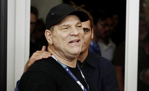 Harvey Weinstein - Venezia - 01-09-2012 - Harvey Weinstein molesta una modella italiana