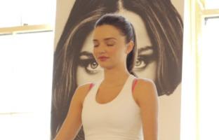 Miranda Kerr - Los Angeles - 02-11-2012 - Miranda Kerr insegna yoga a 250 persone per la Heart Hour's