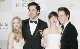 Eddie Redmayne, Sacha Baron Cohen, Amanda Seyfried, Anne Hathaway - Los Angeles - 13-01-2013 - Il cast di Les Miserables festeggia all'after-party dei Golden Globes