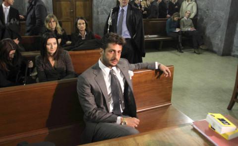 Fabrizio Corona - Milano - 02-12-2010 - L'ultima follia di Fabrizio Corona avviene in tribunale