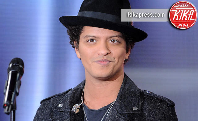 Bruno Mars - Parigi - 21-02-2013 - Grammy 2016: Uptown Funk Best Record of the Year