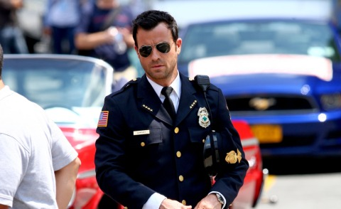 Justin Theroux - New York - 08-07-2013 - Justin Theroux in divisa sul set di The Leftovers