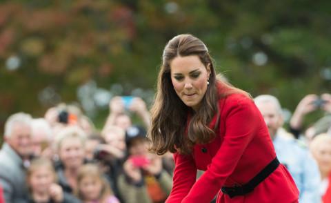 Kate Middleton - Christchurch - 14-04-2014 - ... e adesso Sporty Katie ci prova anche con il cricket