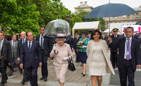 Parigi regina elisabetta 1 anne hidalgo 0 foto for La regina anne casa