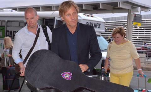 Viggo Mortensen - Toronto - 11-09-2014 - Dalle vacanze riportano una valigia carica carica di...