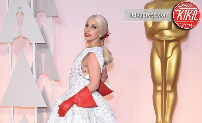 Lady Gaga - Hollywood - 22-02-2015 - Ma come ti vesti? Le 10 cose più strane indossate dalle star