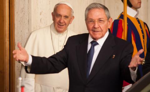 Papa Francesco, Raul Castro - Città del Vaticano - 10-05-2015 - Papa Francesco apre le porte del Vaticano a Raul Castro