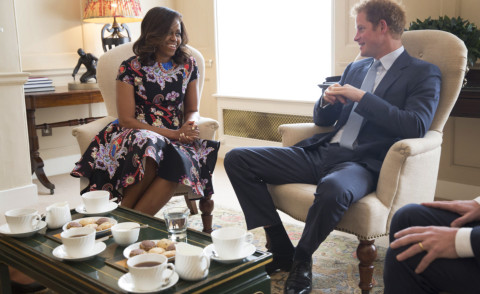Michelle Obama, Principe Harry - Londra - 16-06-2015 - Michelle Obama, un tè col principe Harry