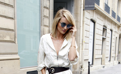Rosie Huntington-Whiteley - Parigi - 05-07-2015 - La tuta glam-chic conquista le celebrity
