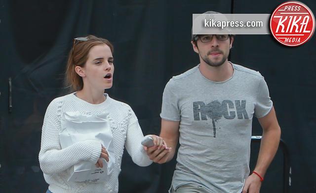 hot sale online f7038 51fea Pizza romantica per Emma Watson e il suo fidanzato ...