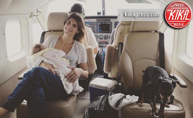 Skyler Eva Perri, Elisabetta Canalis - Bahamas - 29-12-2015 - Mamme in carriera: i figli sono la chiave del successo