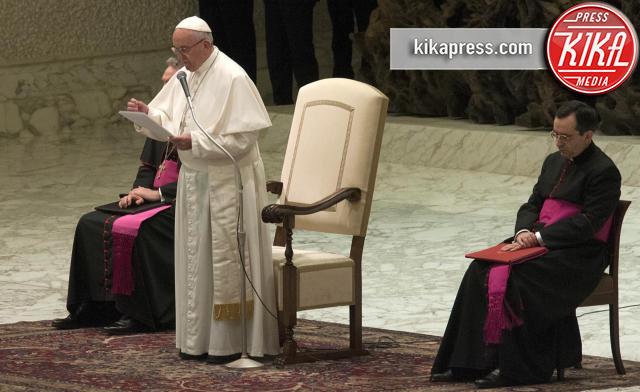 Papa Francesco - Roma - 17-03-2016 - Papa Francesco incontra gli studenti dell'Harvard WorldMun 2016