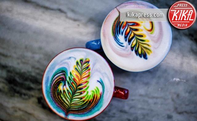 Atmosphere - Las Vegas - 22-04-2016 - Il cappuccino diventa un arcobaleno grazie a Mason Salisbury