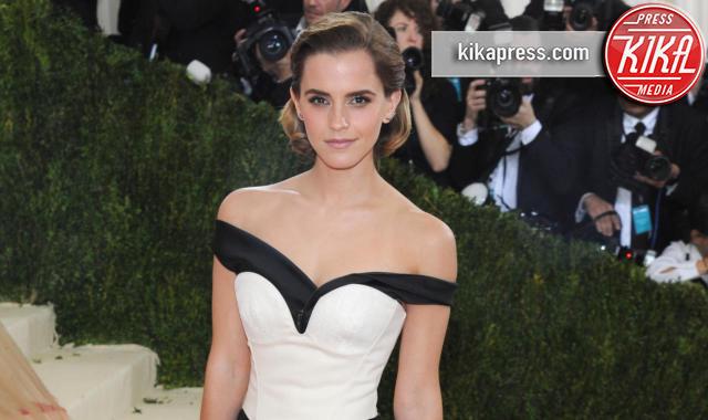 new style 9116a ce65a Emma Watson ricicla gli abiti… non il fidanzato! - Kikapress.com