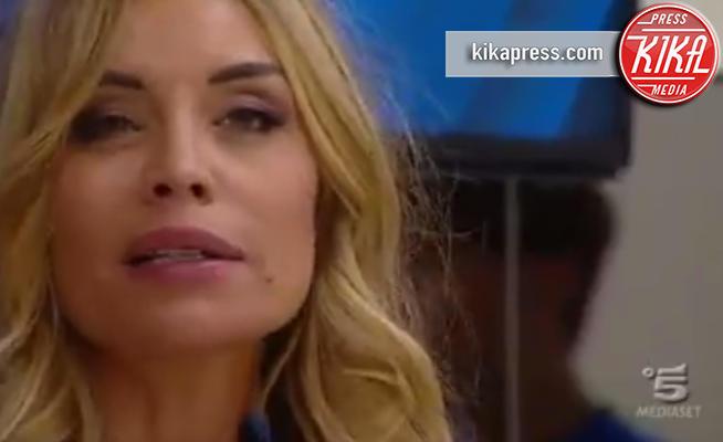 Elenoire Casalegno - Roma - 20-09-2016 - Grande Fratello Vip: Elenoire Casalegno inizia con dolore!