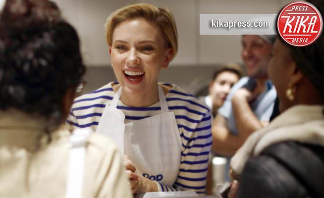 Scarlett Johansson - Parigi - 22-10-2016 - Ecco le dive con il pallino dell'imprenditoria