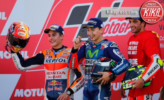 Andrea Iannone, Marc Marquez, Valencia, Jorge Lorenzo - Valencia - 13-11-2016 - Moto Gp di Spagna: vince Lorenzo, ma Marquez è campione