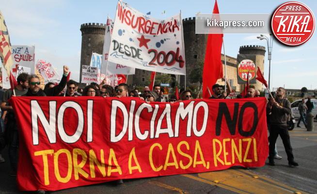 Manifestazione Napoli, Protesta, Manifestanti - Napoli - 18-11-2016 - Renzi contestato a Napoli dai manifestanti