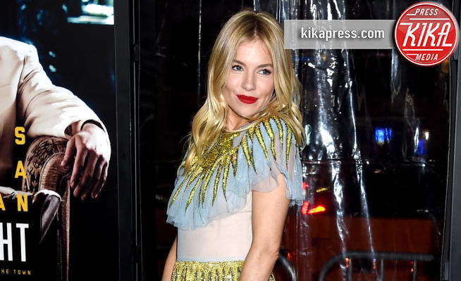 Sienna Miller - Hollywood - 09-01-2017 - Sienna Miller-Elle Fanning-Zoe Saldana: che trio per Ben Affleck