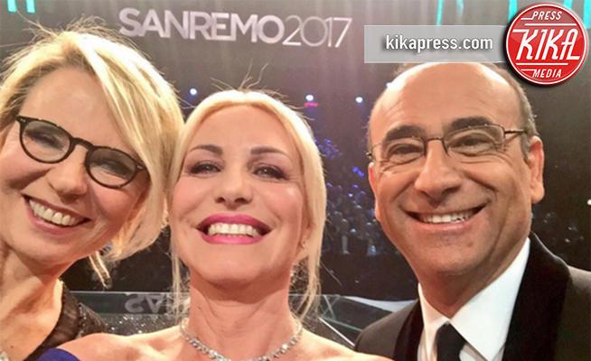 Maria De Filippi, Carlo Conti, Antonella Clerici - Sanremo - Sanremo 2017, tutte le emozioni della quarta serata