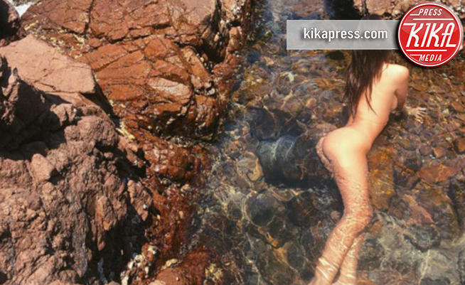 Emily Ratajkowski - Los Angeles - Emily Ratajkowski nuda, ma c'è lo spettro anoressia!