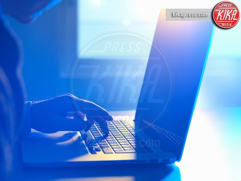 crescono-vittime-online-predator-web