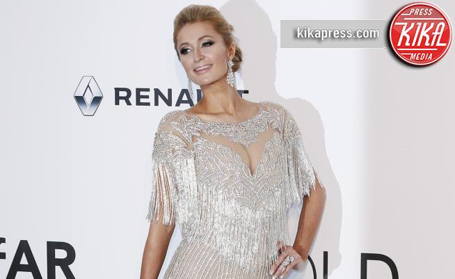Paris Hilton - Cannes - 25-05-2017 - Cannes 2017: l'amfAR 2017 è... argento vivo!