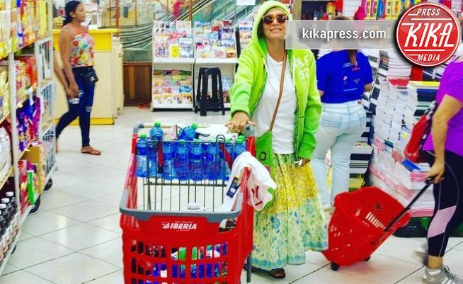 Mara Venier - Roma - Star come noi: la vita reale è fatta di commissioni