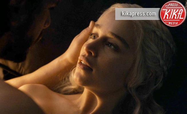 Kit Harington, Emilia Clarke - 29-08-2017 - Il Trono di Spade: le scene più hot della serie - SPOILER alert!