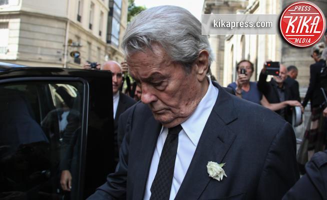 Alain Delon - Parigi - 01-09-2017 - L'ultimo saluto di Alain Delon all'amata Mireille Darc