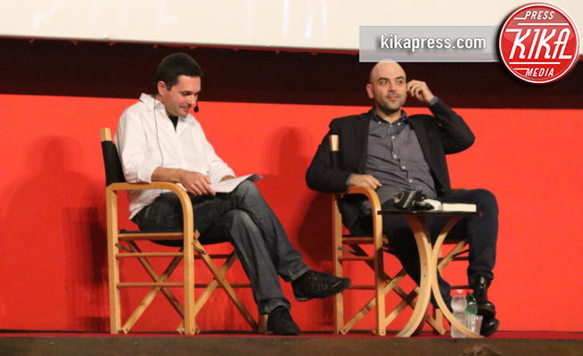 Saverio Tommasi, Roberto Saviano - Napoli - 16-10-2017 - Roberto Saviano presenta Un Bacio Feroce con Saverio Tommasi