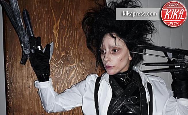 Lady Gaga - Los Angeles - 01-11-2017 - Halloween: dalla Chiabotto a Lady Gaga, i costumi delle star