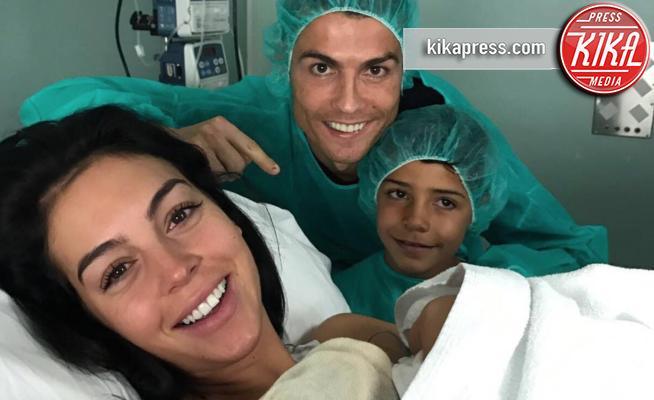 Alana Martina Ronaldo, Georgina Rodriguez, Cristiano Ronaldo jr., Cristiano Ronaldo - Madrid - 12-11-2017 - Cristiano Ronaldo ancora papà: è nata Alana Martina