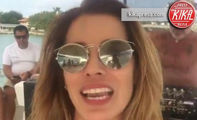 Gianluca Vacchi, Aida Yespica - Miami - 28-12-2017 - Aida Yespica si scatena sulla barca di Gianluca Vacchi
