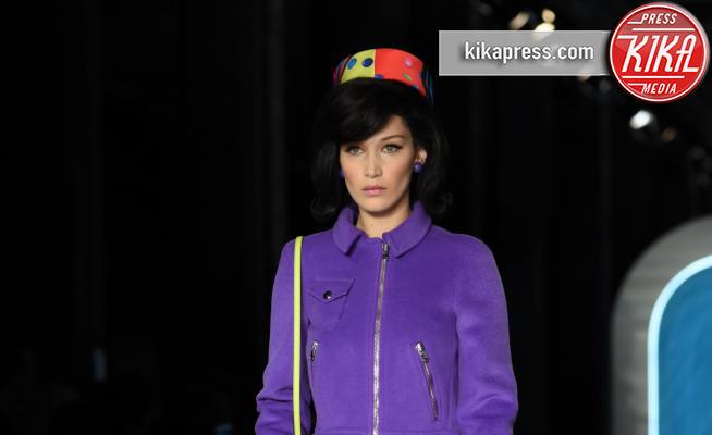 Moschino, Bella Hadid - Milano - 21-02-2018 - Milano Moda Donna, Bella Hadid sfila per Moschino