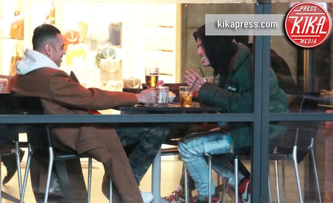 Sfera Ebbasta, Marracash - Milano - 23-02-2018 - Sfera Ebbasta e Marracash, aperitivo in salsa rap a Milano
