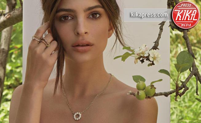 Emily Ratajkowski - 04-06-2018 - Emily Ratajkowski mostra l'enorme anello di fidanzamento