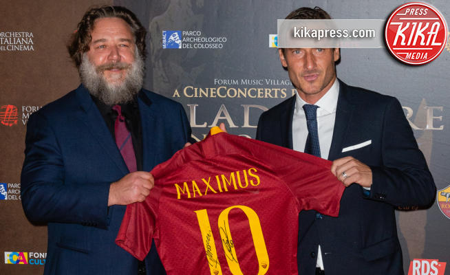 Francesco Totti, Russell Crowe - Roma - 06-06-2018 - Russell Crowe giallorosso: Il Gladiatore incontra Totti
