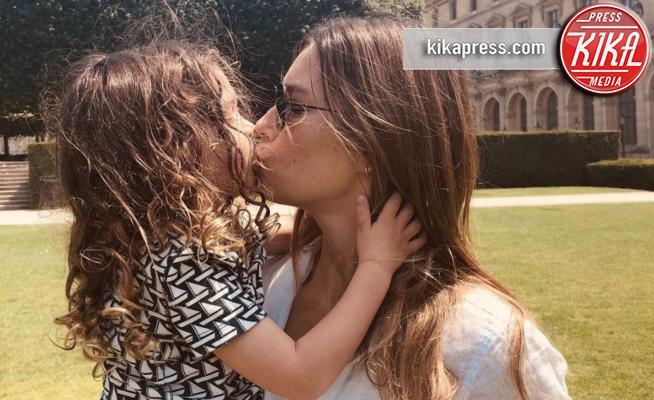 Silas Randall Timberlake, Jessica Biel - Parigi - 12-07-2018 - Jessica Biel bacia sulla bocca il figlio: scoppia la polemica