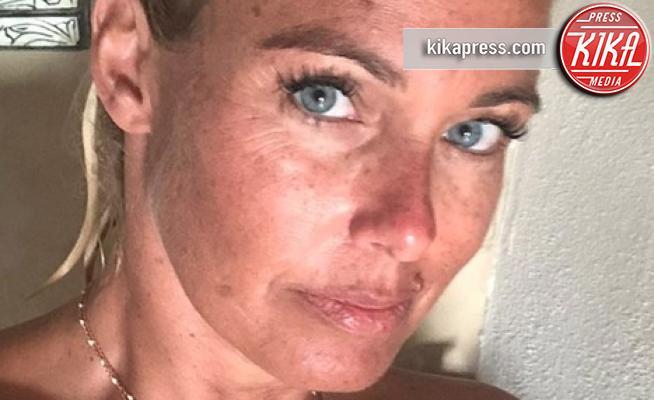 Sonia Bruganelli provoca gli haters: