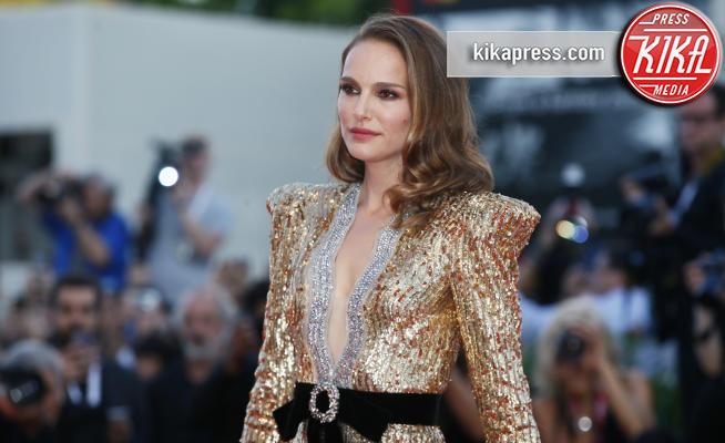 Natalie Portman - Venezia - 04-09-2018 - Venezia 75: Natalie Portman, un trionfo di paillettes... dorate!