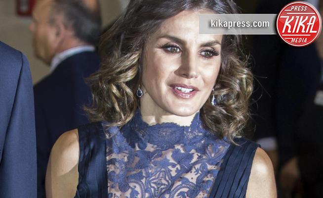 Letizia Ortiz - Madrid - 05-12-2018 - Regina Letizia di Spagna: scollatura fino all'ombelico!