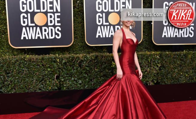Holly Taylor - Beverly Hills - 06-01-2019 - Golden Globe 2019: sul red carpet vince... il rosso!