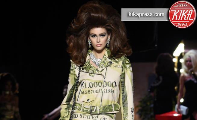Kaia Gerber - Milano - 21-02-2019 - Fashion Week: in passerella la stravagante unicità di Moschino